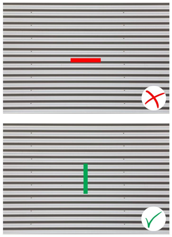 Vlnitý plech bude dělat problémy horizontálnímu proužku, ale ne vertikálnímu.