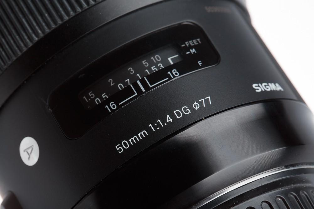 Sigma 50mm F1.4 DG HSM Art používá průměr filtrů obvyklých 77 mm.